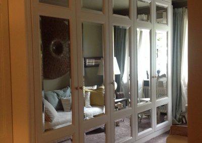 Aménagement dressing bois massif avec miroir biseauté - ZUG - SUISSE