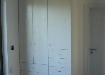 Dressing porte battante avec tiroirs