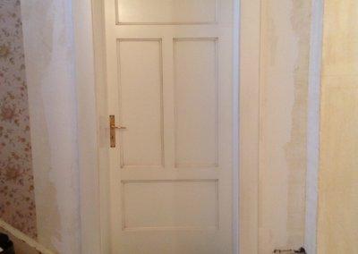 Porte intérieur en bois massif laqué blanc